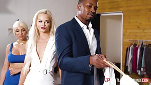 Aurous digger Elsa Jean thanks her black sugar daddy for shopping
