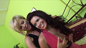 Eva Angelina loves groupsex with Kayla Synz