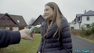 Horny teen babe accepts undesigned man's proposal to fuck for cash